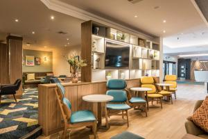 The lounge or bar area at Holiday Inn Bristol Filton, an IHG Hotel