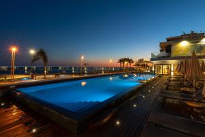 The swimming pool at or near Dom Jose Beach Hotel (Plus)
