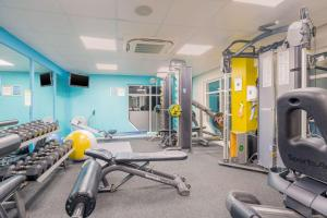 The fitness centre and/or fitness facilities at Clarion Cedar Court Huddersfield Hotel