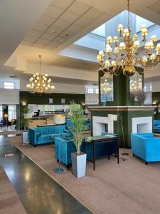 The lobby or reception area at Bromsgrove Hotel and Spa