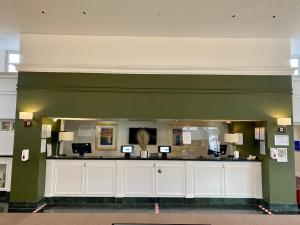 A kitchen or kitchenette at Bromsgrove Hotel and Spa
