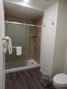 A bathroom at Spokane Club Hotel