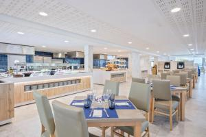 A restaurant or other place to eat at Hotel Best Sol D´Or