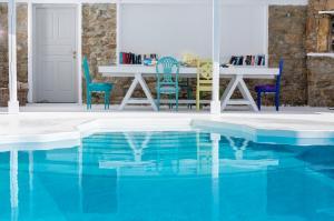 The swimming pool at or near Pietra e Mare