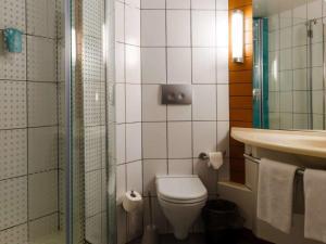 Ванная комната в IBIS Самара