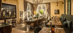 A restaurant or other place to eat at Grand Boutique Hotel-Restaurant Huis Vermeer