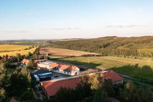 A bird's-eye view of Cheveldon