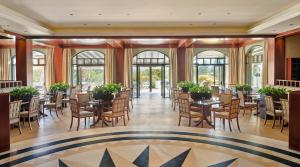 A restaurant or other place to eat at Hyatt Regency Thessaloniki