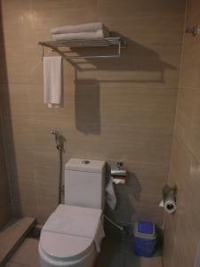 A bathroom at French Hotel