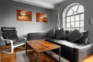 A seating area at The Glyndwr - Berwyn House