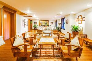 Ein Restaurant oder anderes Speiselokal in der Unterkunft Baan Din Ki