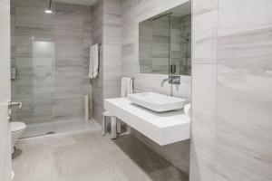A bathroom at Hotel Sete Cidades