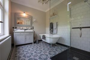 A bathroom at Guesthouse Elisabeth Maastricht