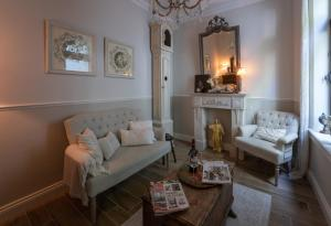 A seating area at Guesthouse Elisabeth Maastricht