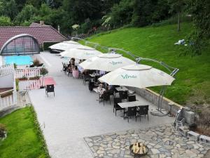 A restaurant or other place to eat at UniqHotel Česky Šternberk