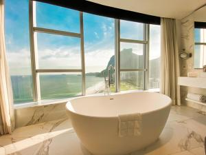 A bathroom at Hotel Nacional Rio de Janeiro
