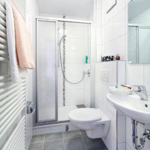 A bathroom at Landgasthof Löwen