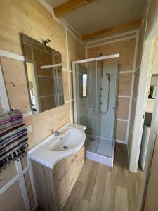 A bathroom at Camping Monja