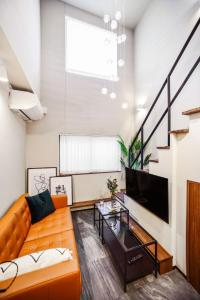 A seating area at ALT STAY Azabudai - Vacation STAY 31654v