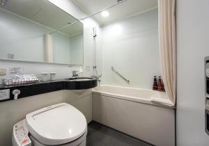 A bathroom at Daiwa Roynet Hotel Okayama Ekimae