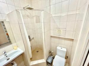 Ванная комната в Apartment on Bytkha 20/4