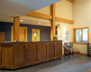 The lobby or reception area at Minnewaska Lodge
