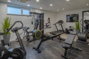 The fitness centre and/or fitness facilities at INNSiDE by Meliá Aachen