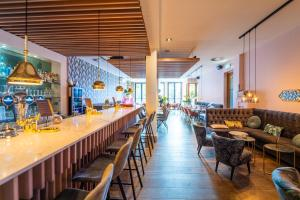 A restaurant or other place to eat at Hotel Le Bon Apart