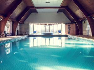 The swimming pool at or near Mercure Hull Grange Park Hotel
