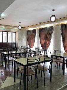 Ресторан / где поесть в Hotel AMBO
