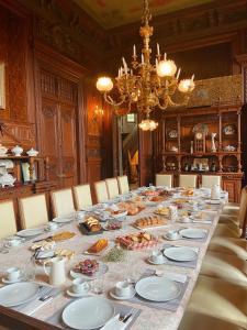 Restaurant ou autre lieu de restauration dans l'établissement B&B Chateau de Villersexel