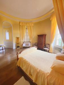 Un ou plusieurs lits dans un hébergement de l'établissement B&B Chateau de Villersexel