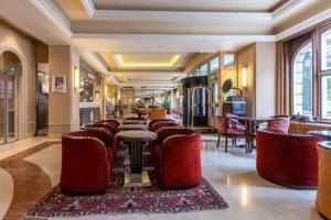 Een restaurant of ander eetgelegenheid bij Hotel Du Parc - Mulhouse Centre