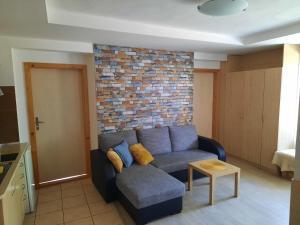 A seating area at Apartman U Adamov
