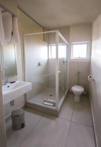 A bathroom at Parade Hotel