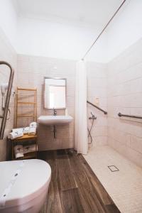 A bathroom at A Casa da Cerca