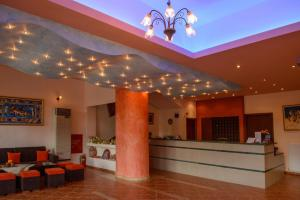 The lobby or reception area at Idi Hotel
