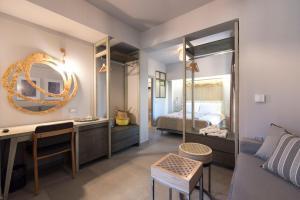 A bathroom at Kanathos Pigi