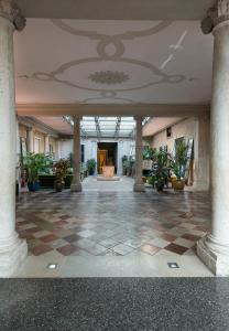 The lobby or reception area at Monaco & Grand Canal