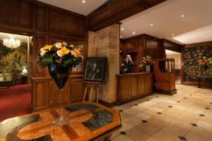 The lobby or reception area at Amarante Beau Manoir