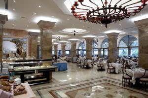 Εστιατόριο ή άλλο μέρος για φαγητό στο Atrium Palace Thalasso Spa Resort And Villas