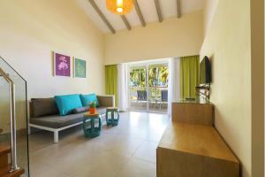 Een zitgedeelte bij Vista Sol Punta Cana Beach Resort & Spa - All Inclusive