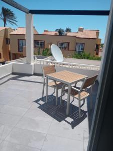 A balcony or terrace at Alisios Playa