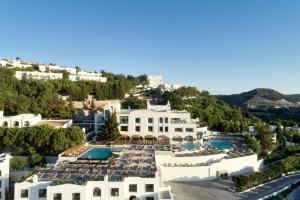 Een luchtfoto van Esperos Village Blue & Spa - Adults Only