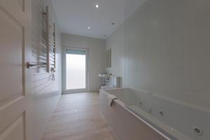 A bathroom at Hotel Casa Jurjo