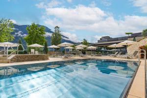 The swimming pool at or near Sport- und Wellnesshotel Held 4 Sterne Superior