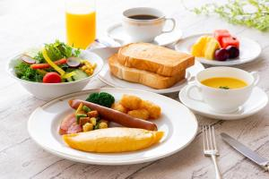 Breakfast options available to guests at Okura Act City Hamamatsu