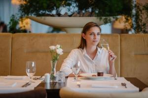 A restaurant or other place to eat at Grand Hotel River Park, a Luxury Collection Hotel, Bratislava