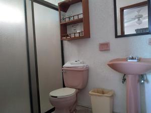 Un baño de Hotel Brennan