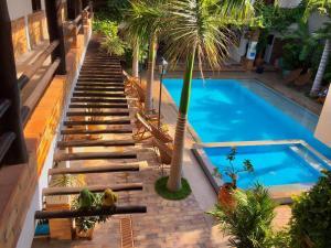 Vista de la piscina de Camali Hotel o alrededores